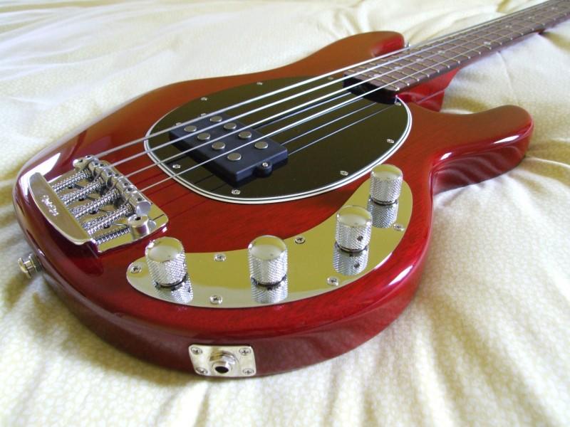 Baixo MusicMan StingRay 30th Anniversary 4 cordas 30thbody